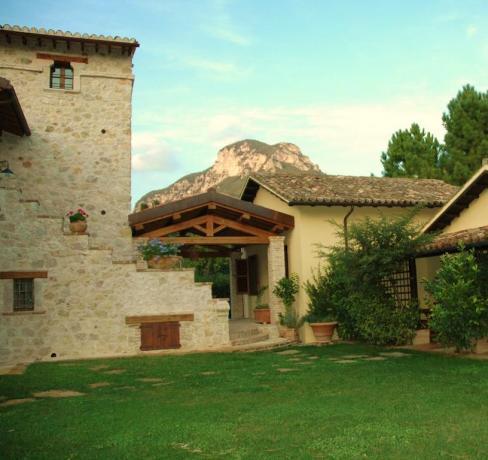 Country House con Appartamenti nella Valle del Nera