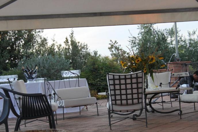 Albergo a Pozzuolo, ristorante con gazebo esterno