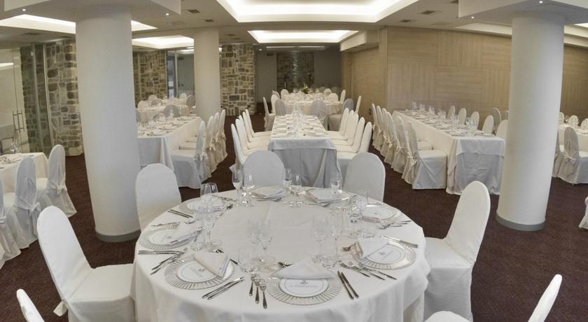 Salone delle cerimonie in ambiente elegante
