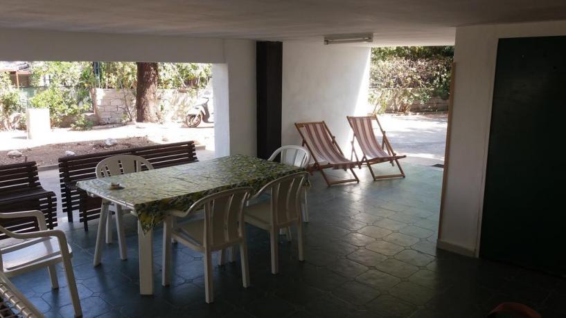 Ampio porticato con giardino-barbecue-e-parcheggio in Salento
