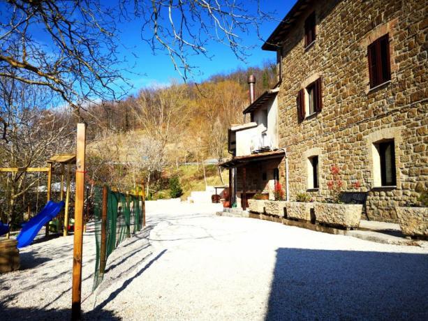 Agriturismo ad Assisi sommerso nella natura