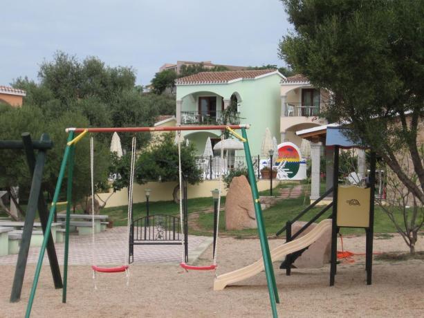 Casa Vacanza con giochi per bambini a Badesi