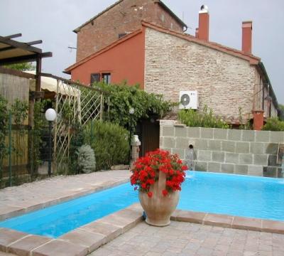 piscina curata minimi particolari