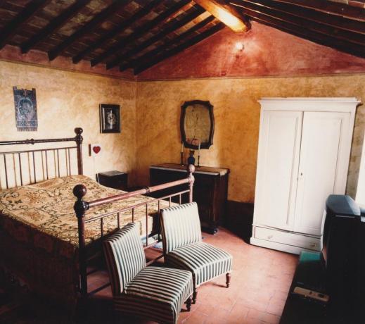 Camera appartamento Blu relais a Calenzano