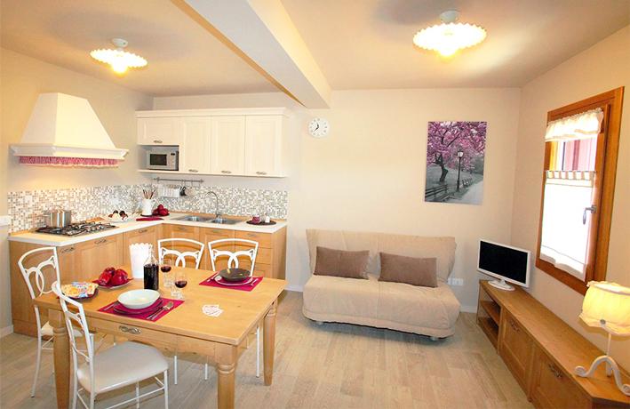 Ampio soggiorno + divano letto in Friuli