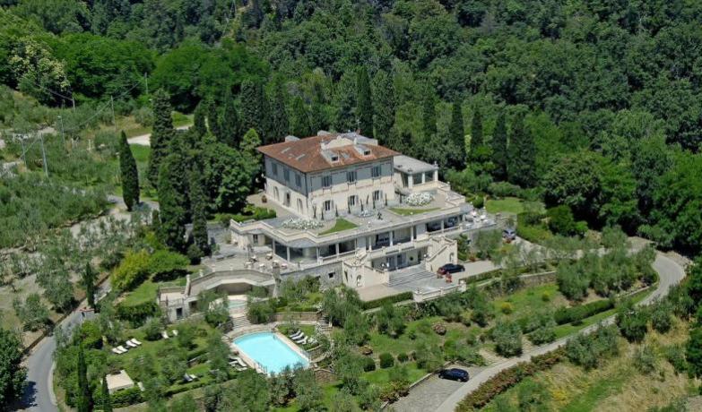 Villa con centro benessere in Toscana