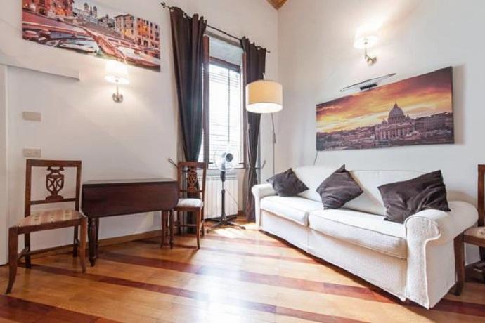 Soggiorno luminoso appartamento a Trastevere
