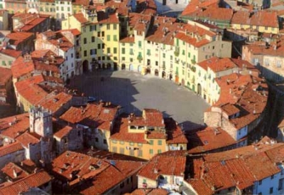 Hotels in the center of Lucca