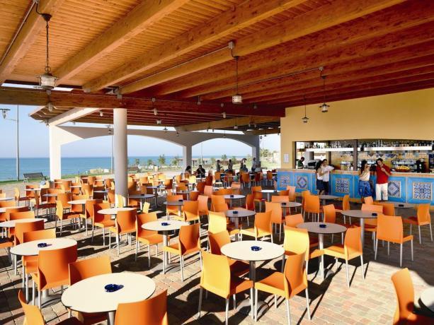 Villaggio con servizio bar in spiaggia privata