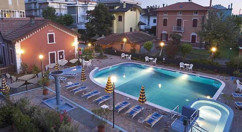 Hotel tre stelle con piscina a Bellaria