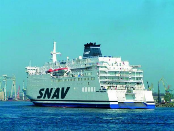 SNAV Grandi Navi Veloci, prezzo traghetto online