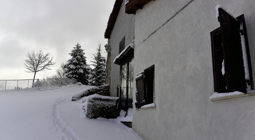 Albergo**** Diffuso con Camere Matrimoniali a Rovere