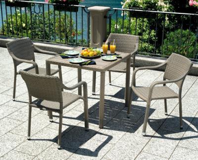 Tavolo quadrato da esterno, prezzo contract