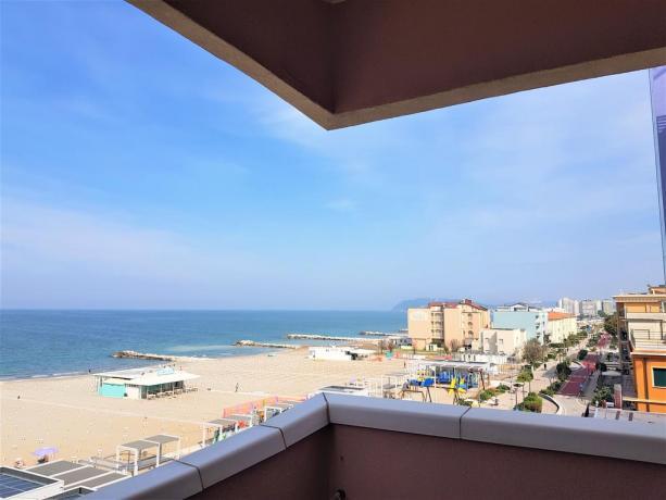 Appartamento con balcone vista Lungomare Misano