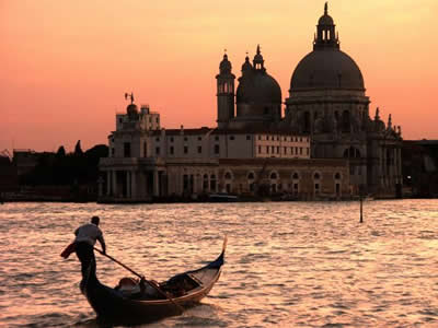 Inexpensive Accommodation near the City of Venice