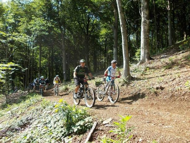 Bed-and-breakfast escursioni guidate mountain-bike e-mtb Appennino-Parmense