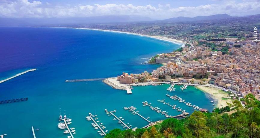 Vista Castellammare del Golfo: Porto Spiagge Città