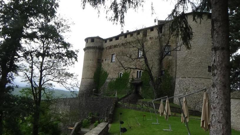 B&B vicino Compiano, Castello e Borgo medievale