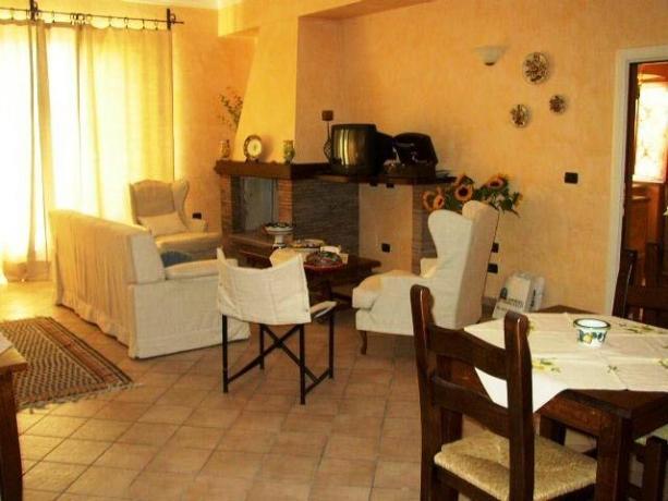 Appartamenti per Famiglie con Camino a Montebuono