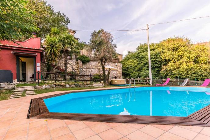 Grande Piscina esterna: Casa Vacanza La-Via-Francescana