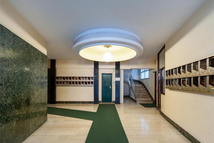 Appartamento in palazzo con ascensore a Roma