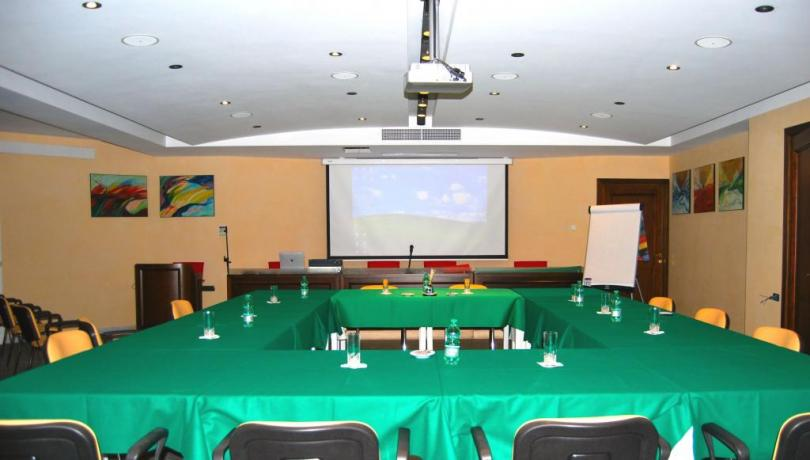 Sala meeting con videoproiettore
