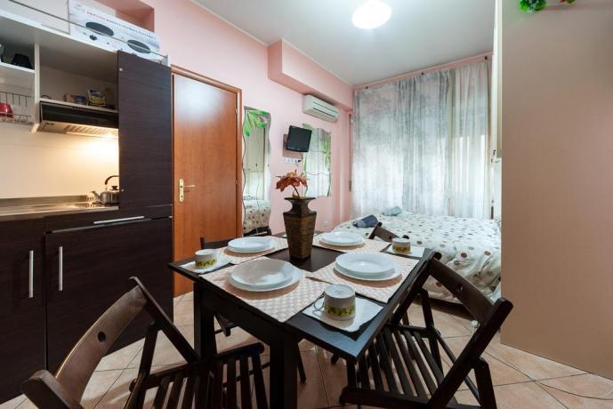 Appartamento a Roma climatizzato con camera e cucina
