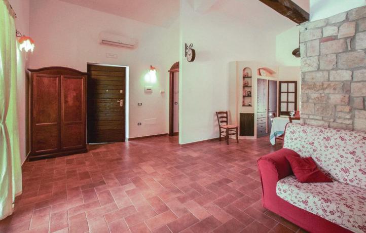 Casa vacanze a San Lupo con appartamento
