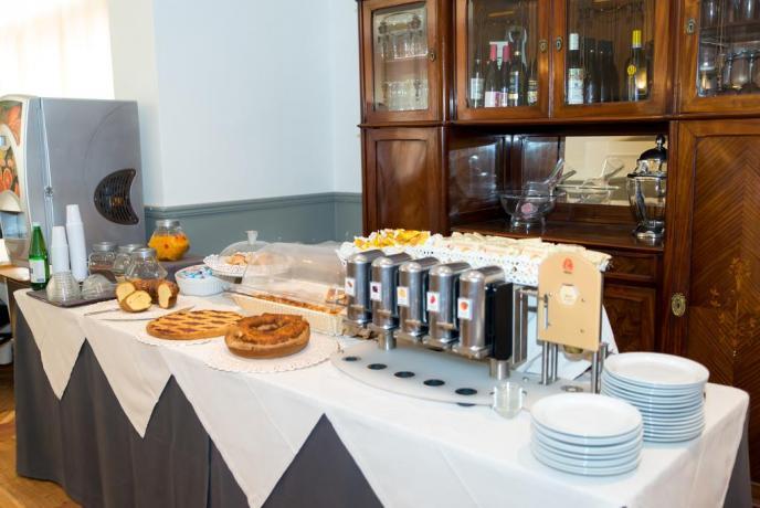 Abbondanti colazioni a buffet in Hotel a Fiuggi