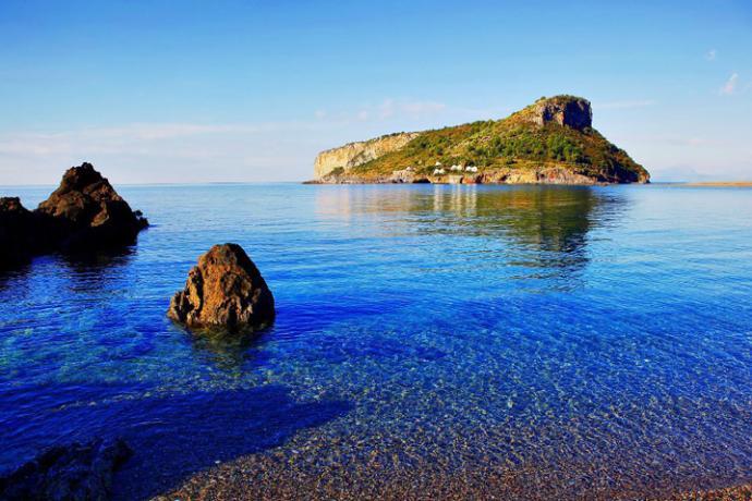 Spiaggia ed Isola Dino
