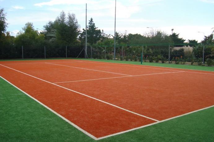 Campo sportivo Polivalente in Villaggio a Ugento