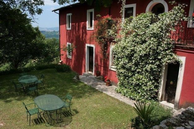 Appartamenti vicino Frosinone con Giardino e Parcheggio