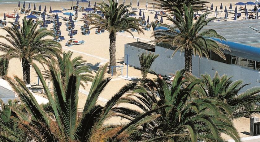 hotel-3stelle-famiglie-spiaggiaprivata-ristorante-wifigratis-sanbenedettodeltronto