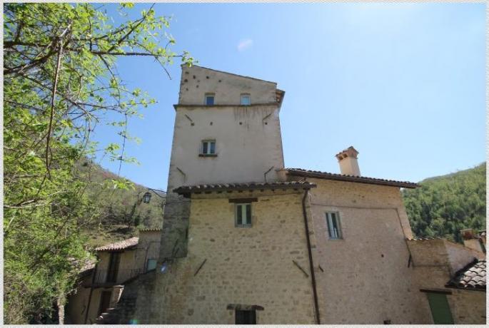 Borgo medievale vicino Cascate delle Marmore