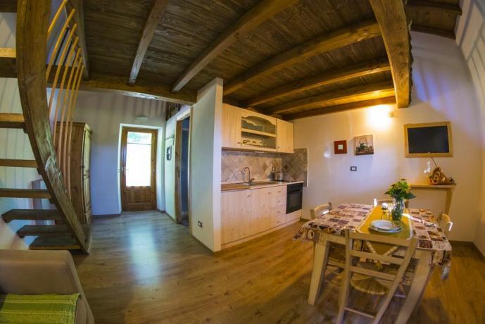 Appartamenti a Frignano son ampio soggiorno