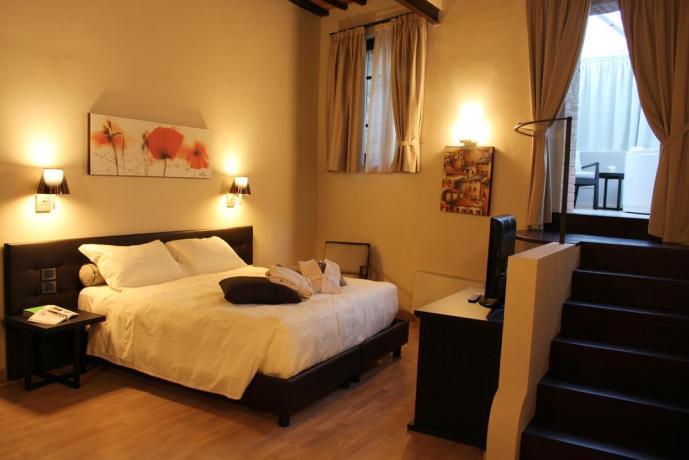 Camera con vasca idromassaggio 2posti Perugia