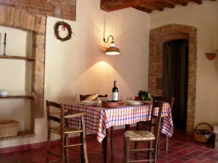 Appartamento 4persone con tavolo da pranzo a Umbertide