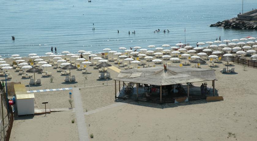 Spiaggia privata hotel a terracina