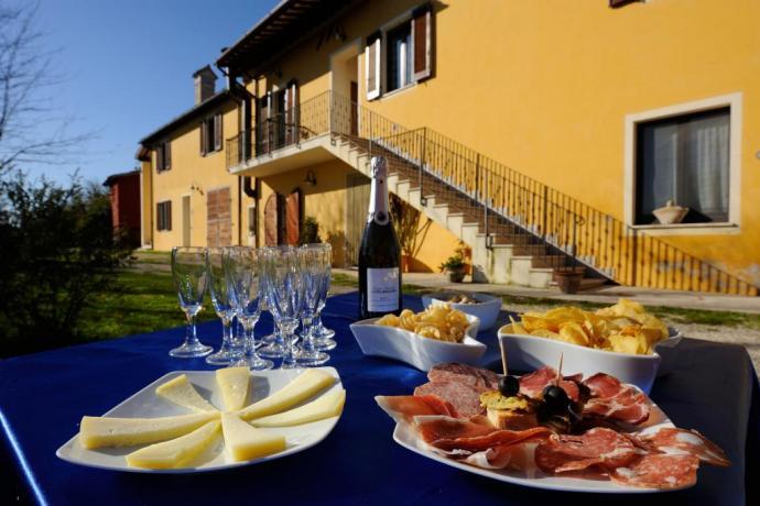 Salumi e formaggi agriturismo vicino Spoleto