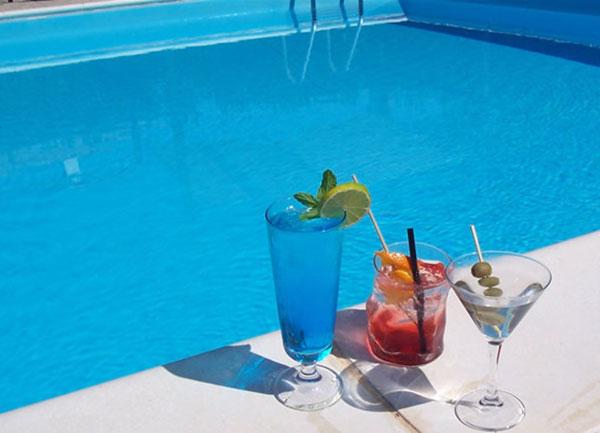 Aperitivi in Toscana a bordo piscina