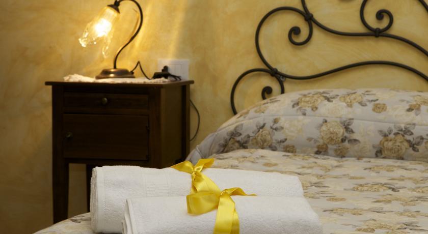 Camera Matrimoniale Monolocale I Girasoli