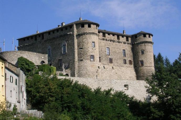Mura del Castello di Compiano Valtaro