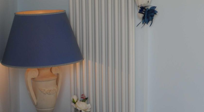 Dettaglio Camera Blu