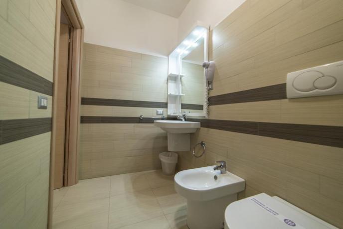 Bagno Privato in Appartamento a Taormina con Doccia