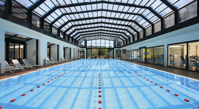 hotel-norcia-vascaidromassaggio-piscinacoperta-sibillini-sport-e-benessere