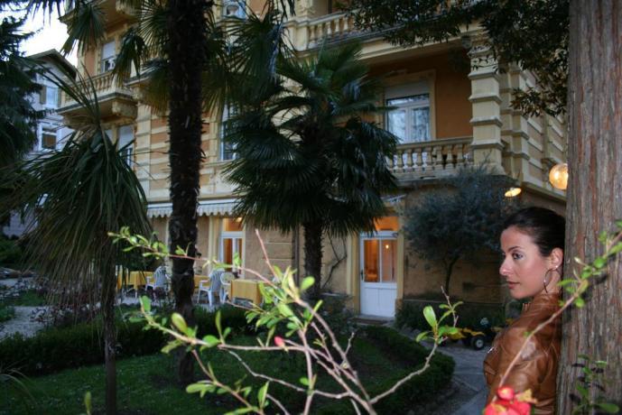 Hotel Merano con giardino esterno