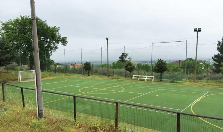 Campo calcetto in sintetico per ritiri Assisi