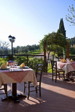 Country House con Sala Ristorante esterna in Umbria