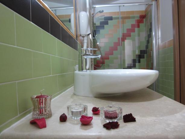 Lavandino bagno Mini Suite Poesia Epica B&B Acquasparta