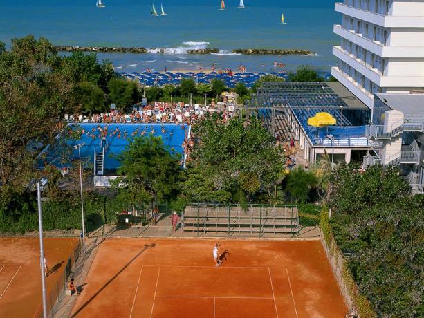 Hotel con campi sportivi e piscine a Montesilvano